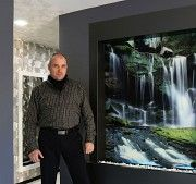 Декоративные водопады по стеклу от дизайн студии Романа Москаленко Черновцы