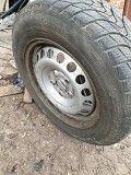 продам зимові шини на дисках фольксваген кадді Гайсин