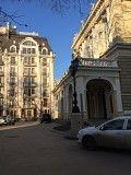 Двухкомнатные апартаменты в границах оперного театра, окна в окна с видом на море и пале роял Одесса