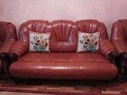 Продам шикарный кожанный диван и два кожанных кресла Киев