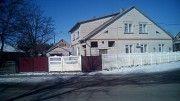 Двоповерховий будинок 199,9 м.кв., з господарськими будівлями(гараж, літня кухня з підвалом, сарай) Полтава