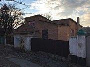 Дом под отделку (ремонт) 160 кв.м., гараж, участок 8 соток, центр, ул. Гоголя, прекрасное расположен Днепр