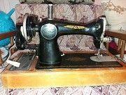 Продам ручную Швейную машинку ПМЗ им. Калинина 50-е года выпуска Обухов