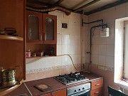 2 комнатная квартира по ул. Декабристов,67, р-н старого ЖД 3 этаж 5 этажного кирпичного дома Николаев