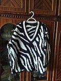 Продам красивый и тёплый свитер на девушку размер л-хл Харьков