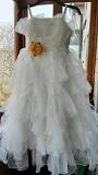 Нарядное белое платье для девочки Киев
